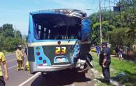 Triple choque de buses Km 45 Pedrozo